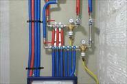 Монтаж коллекторной системы водоснабжения трубами Рехау.