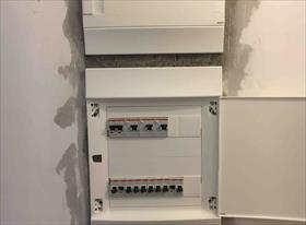 Замена электрощита в новой квартире после проведения